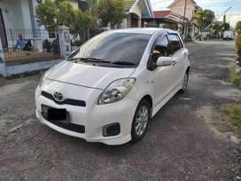 Toyota Yaris E manual