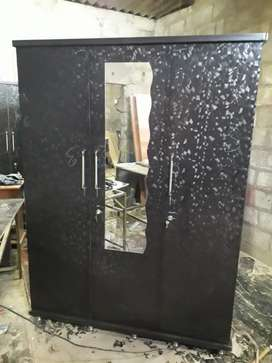 WOODEN WARDROF 3 DOOR MODEL ALL TYPE AVAILABLE