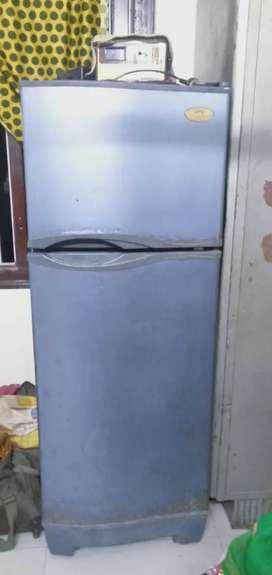 Refrigerator,stablizer