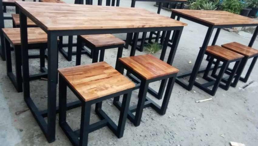 Meja dan kursi cafe