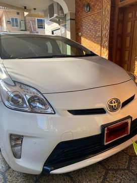 Toyota Prius 2014 model, imported & registered in 2017