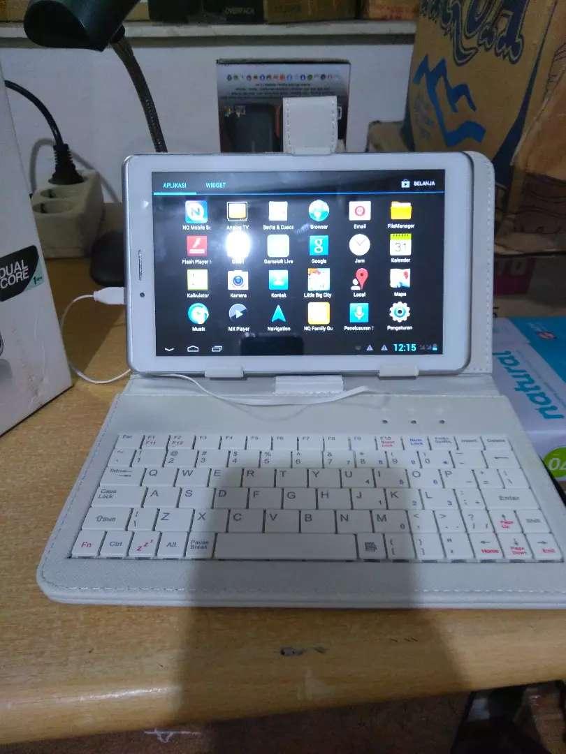 Tablet 8 inch plus keyboard murah 0