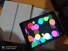 IPad 5th generation 32gb wifi in flawless conditions