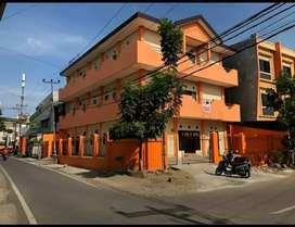 Jual Rumah 3 Lantai SHM Premium Strategis Pusat Kota Makassar ,