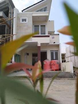 Rumah 2 lantai harga 1 lantai  tanpa bank harga 397 juta