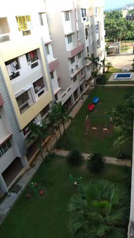 1 room is available in a 3bhk Flat for male working bachelors.