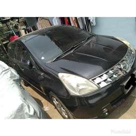 Di jual mobil Nissan Grand Livina Berkualitas ( 80 jt )