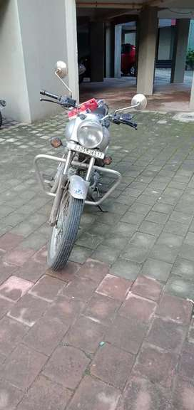 Sep. 2015 Royal Enfield Bullet electra 12000 Kms