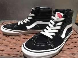 Sepatu VANS Sk8 Hi BW