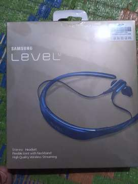 Level u original bluetooth new piece 6 hours battary guaranteed