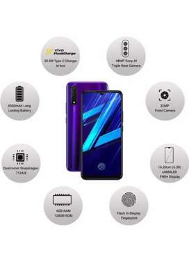 Urgently want to sell my 1.4 year old vivo z1x