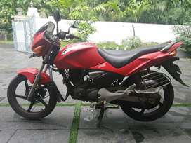 Cbz xtreme red colour well maintained. Full cover insurance.