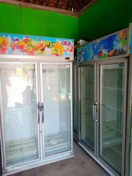 Showcase 2 pintu