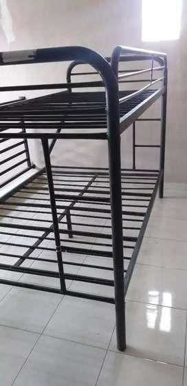 rak tempat tidur susun