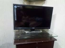 """32""""LCD TV available in reasonable price"""