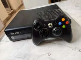 Xbox 360 (500GB in good Condition with 1 Controller)