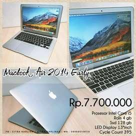 Zona Komputer | Macbook Air 2014 Early i5 ram 4gb siap pakai!