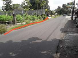 Tanah shmp mangku jalan raya di Wedomartani Ngemplak Sleman