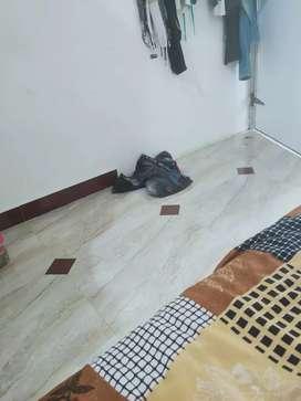 Boy and girls ne room bhade deva nache
