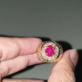 Gempiece Superb quality Ruby Burma Gold Diamond ring