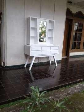 Meja rias duco putih besar 916