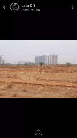 F.n.g highway se 1 km distance pe 100 gj ka plot 3.5 m greater Noida