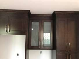 Solid Wood, Top Quality Kitchen Cabinets