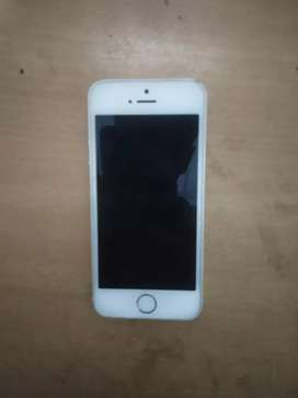 iphon 5s .Capaciti 16GB,silver colour