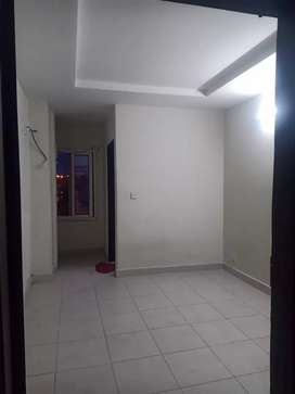 E11/2 Diplomatic living 1 bedroom apartment available for rent