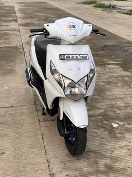 White DiO . Very very Clean Scooter
