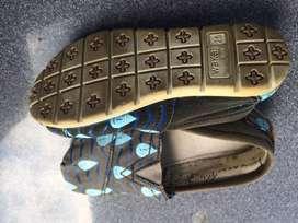 jual sepatu anak original merk NB dan wakai