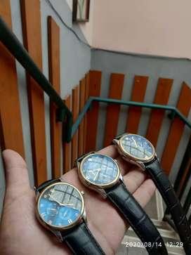 Jam tangan ala jadul hadir lagi