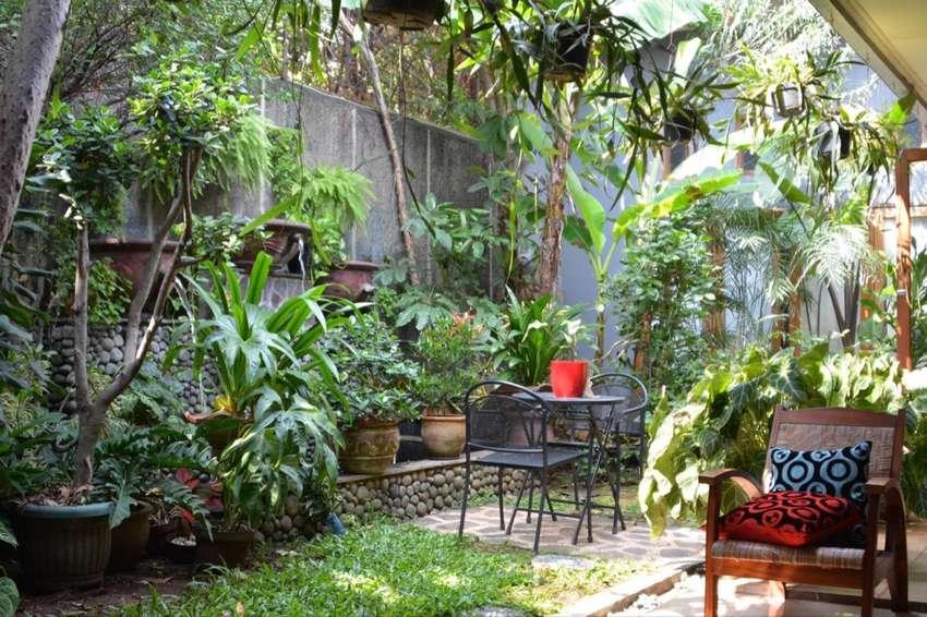 DI JUAL CEPAT Rumah di kemang Barat Jakarta Selatan / BU 0