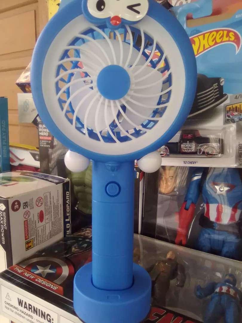 Mini fan + led light, chager usb. 0