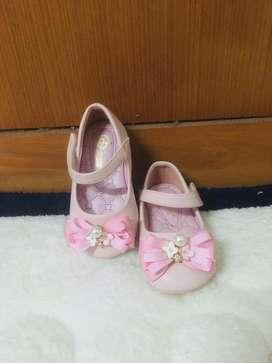 Sepatu Donatello pink