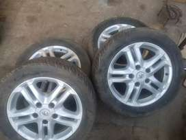 Land Crpluiser ZX Alloy rims with tyres
