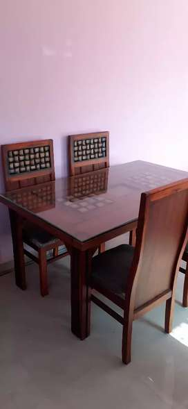 Dining table brand new -4 seater