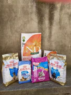 Dog/Puppy/Cat food available at affordable prices.