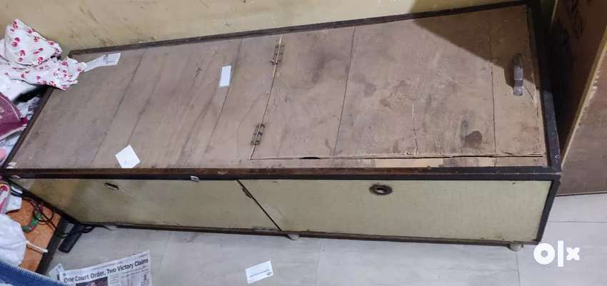 Single bed for Rs.2500/- 0