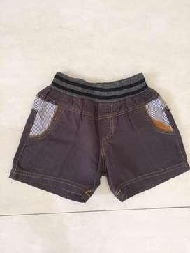 Celana pendek warna coklat utk usia 7-15bln