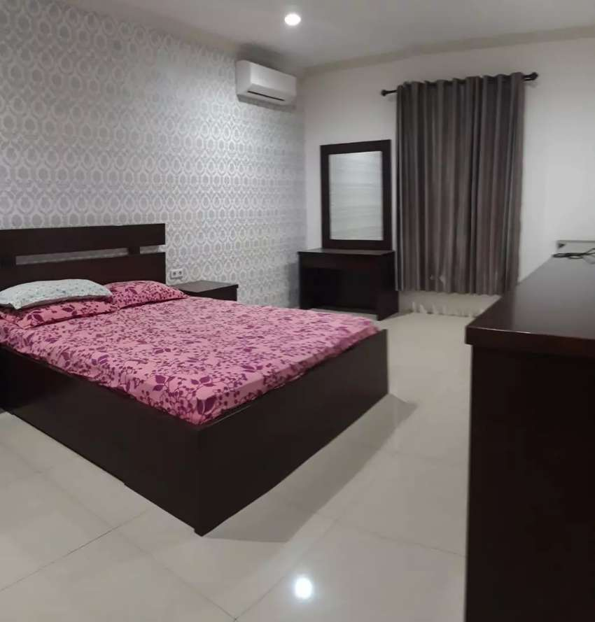 Jual rumah lux 2 lantai dengan 7 kamar tidur dan 3 kamar mandi 0