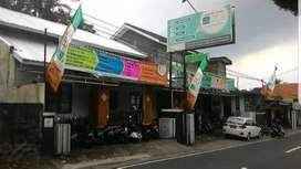 Tempat Usaha / Rumah 2 Lantai, Lokasi Strategis.