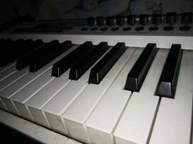 M-Audio axiom pro 61 keys midi keyboard
