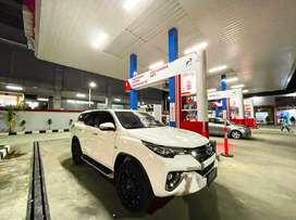 Fortuner 2017 seperti baru type SRZ bensin ( bonus velg seharga 30jt )