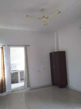 2 bhk available available with car parking in Kandwal