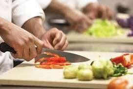 Kitchen Helper  की आवश्यकता है In Faridabad