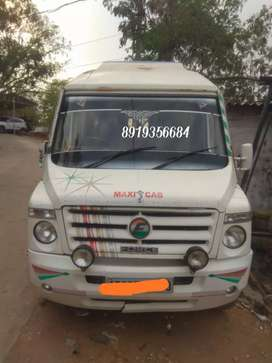 Force traveller good condition a/c 12+1 seater
