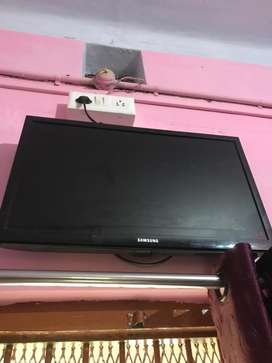 """Samdung 24""""LED tv for sale .due to job transfer i want to sale it"""