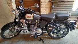 Black royal enfield classic 350