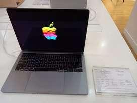 Credit Macbook Pro 13 inch dengan touch bar bisa cicilan